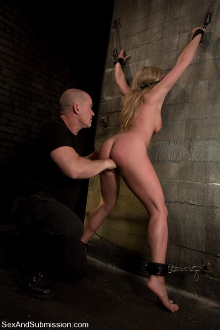 Bondage sex gallery - Blonde hard game